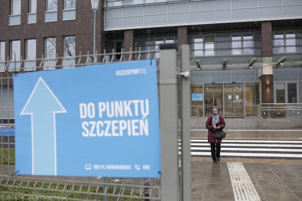 Szczepienia seniorów przeciw COVID-19. Warszawa, 25 stycznia 2021