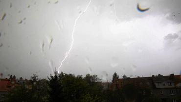 W poniedziałek we Wrocławiu może być burza z gradem.