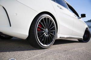 Mercedes-AMG ponownie wybrał opony Dunlop
