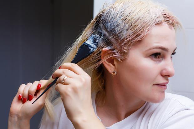 Domowe farbowanie włosów