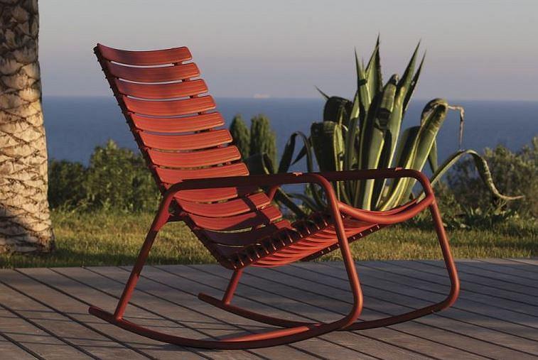 Bujany fotel ogrodowy w nowoczesnej formie