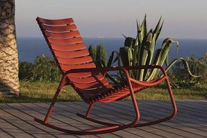 Fotel ogrodowy: bujany czy wiszący?