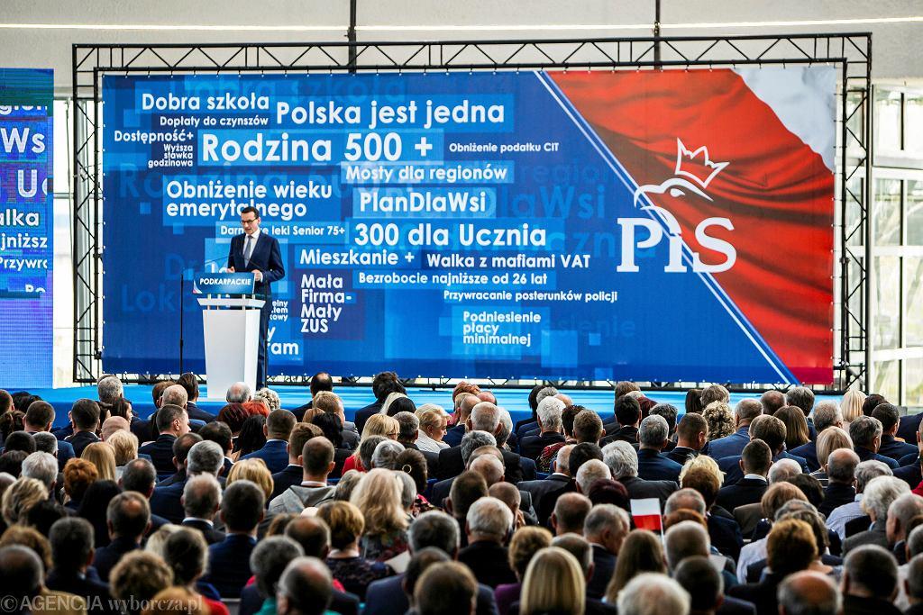 Sondaż wyborczy. PiS z największym poparciem, Koalicja Obywatelska na drugim miejscu