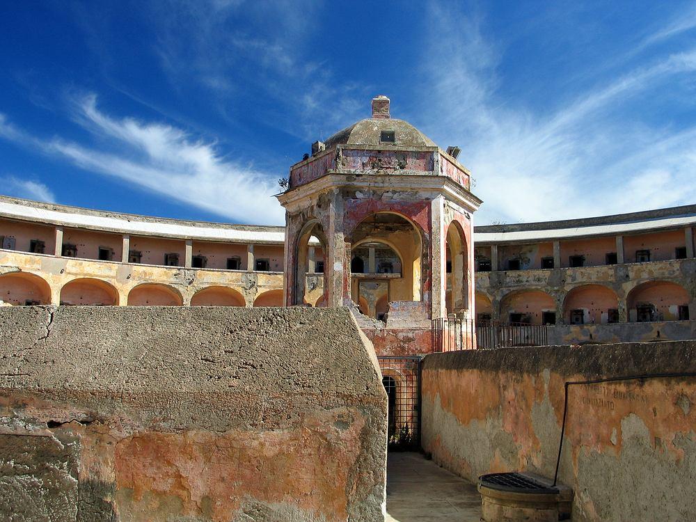 Więzienie na wyspie Santo Stefano