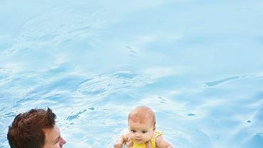Zabawa w wodzie ma wiele zalet: poprawia wydolność układu oddechowego i krwionośnego, hartuje, ćwiczy koordynację ruchów i zmysł równowagi.