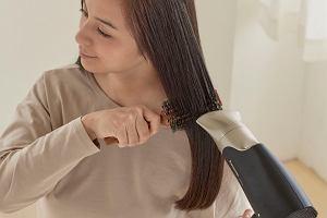 Poznaj rozwiązanie zaawansowanej ochrony włosów i doskonałego stylu dzięki nowej prostownicy do włosów Panasonic EH-HS0E: ENRICH + Advanced Care