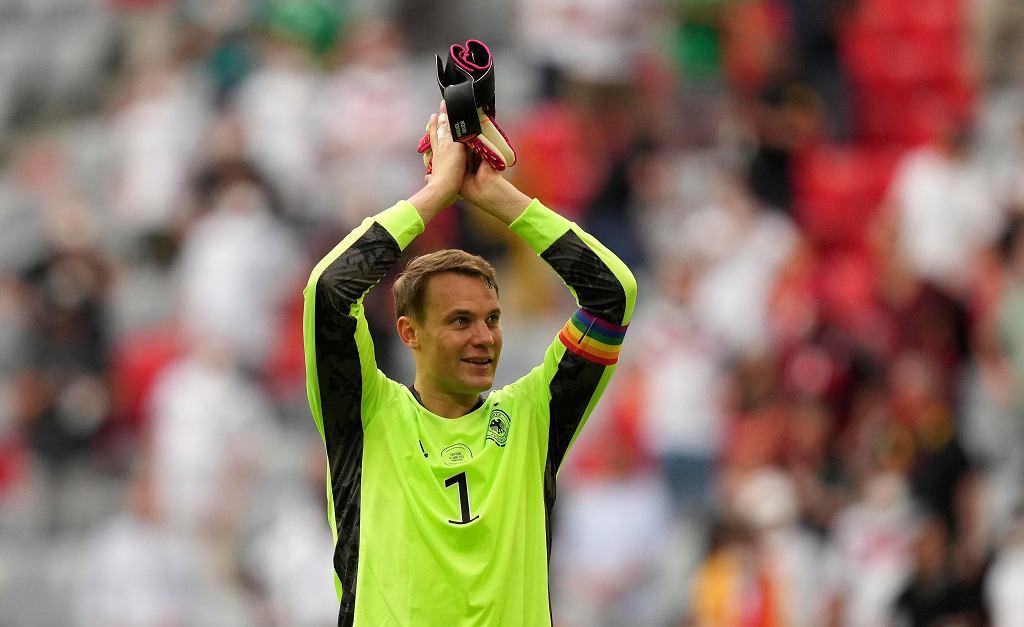 Manuel Neuer z tęczową opaską na Euro 2020.