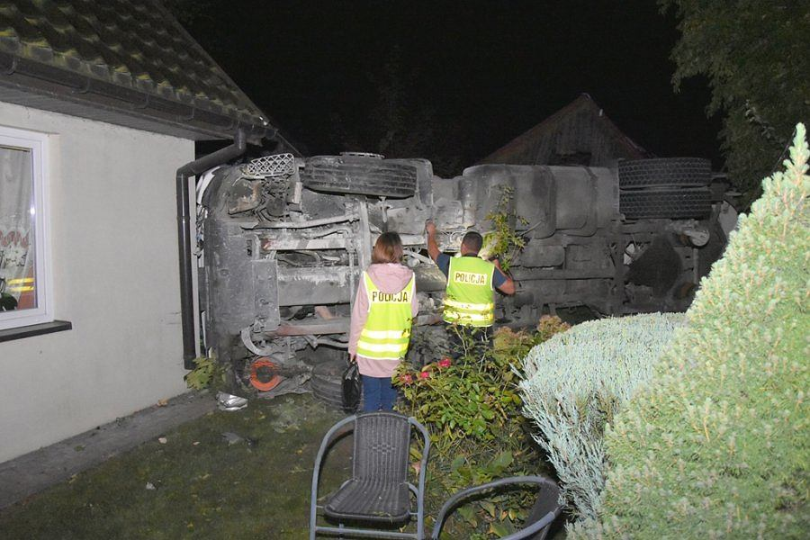 Polichna k. Kraśnika. Ciężarówka uderzyła w dom