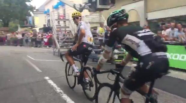 Rafał Majka i Michał Kwiatkowski wjeżdżają razem na metę 9. etapu Tour de France
