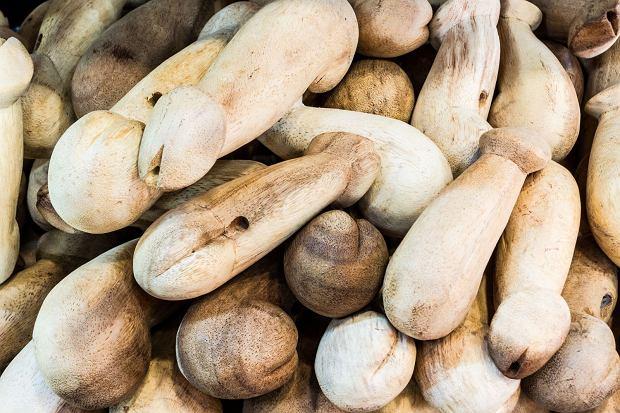 Sztuczne penisy z drewna / Fot. Shutterstock.com