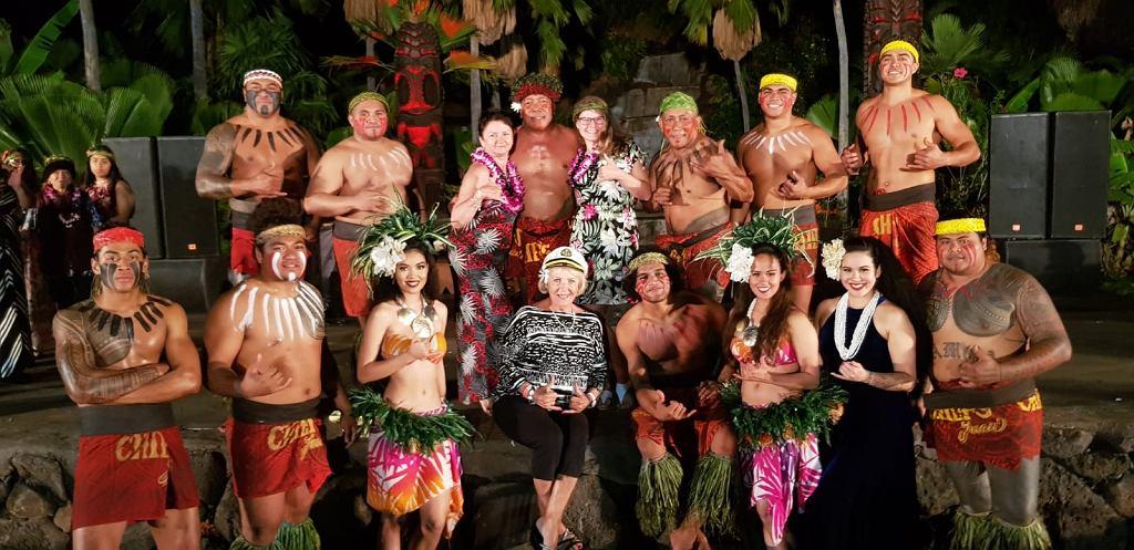 Bożena Jarnot podczas wieczoru hawajskiego