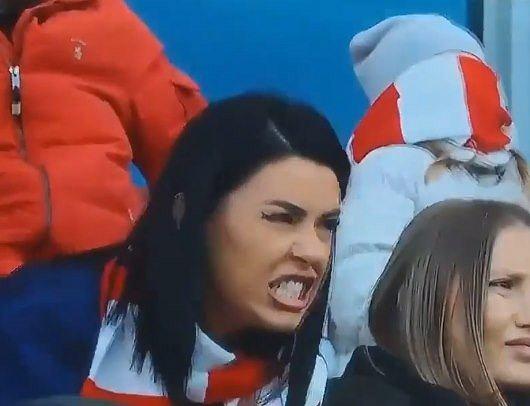 Żona piłkarza Cracovii nie mogła powstrzymać emocji. Hit internetu! [WIDEO]