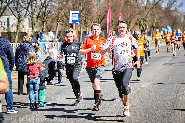 Zdjęcie numer 12 w galerii - Otwarcie sezonu biegowego w Łodzi.