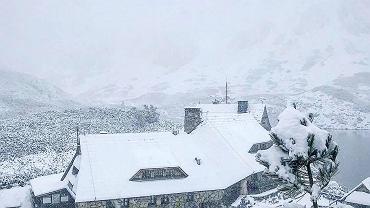 Śnieg w Dolinie Pięciu Stawów Polskich