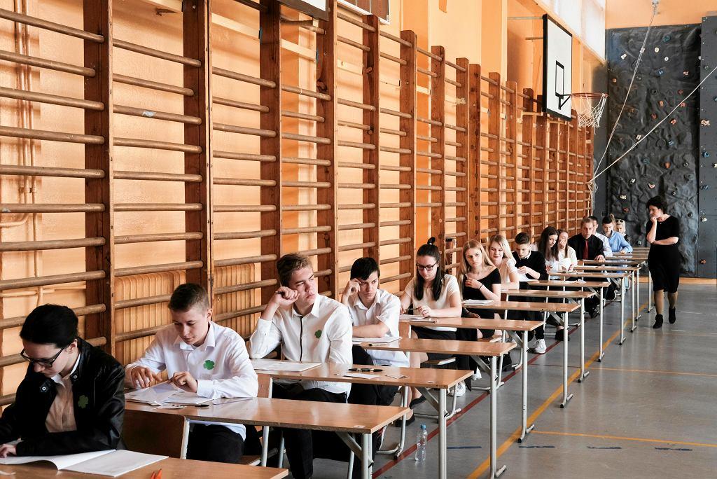 Egzamin gimnazjalny. Uczniom mogą przeszkodzić syreny