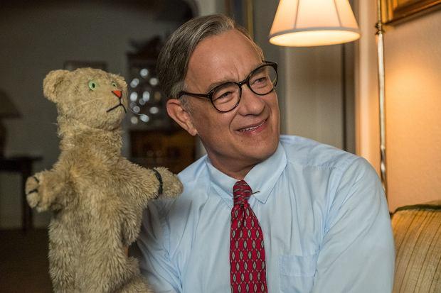 Tom Hanks jako Fred Rogers w filmie ''Cóż za piękny dzień''
