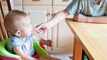 Jeżeli będziemy mieć kontakt ze swoimi dziećmi, to zorientujemy się stosunkowo szybko, że coś jest nie tak z ilością i sposobem spożywania jedzenia