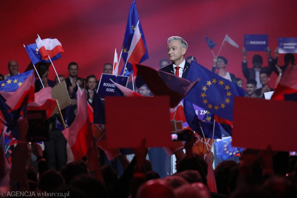 Robert Biedroń na konwencji swojej partii.