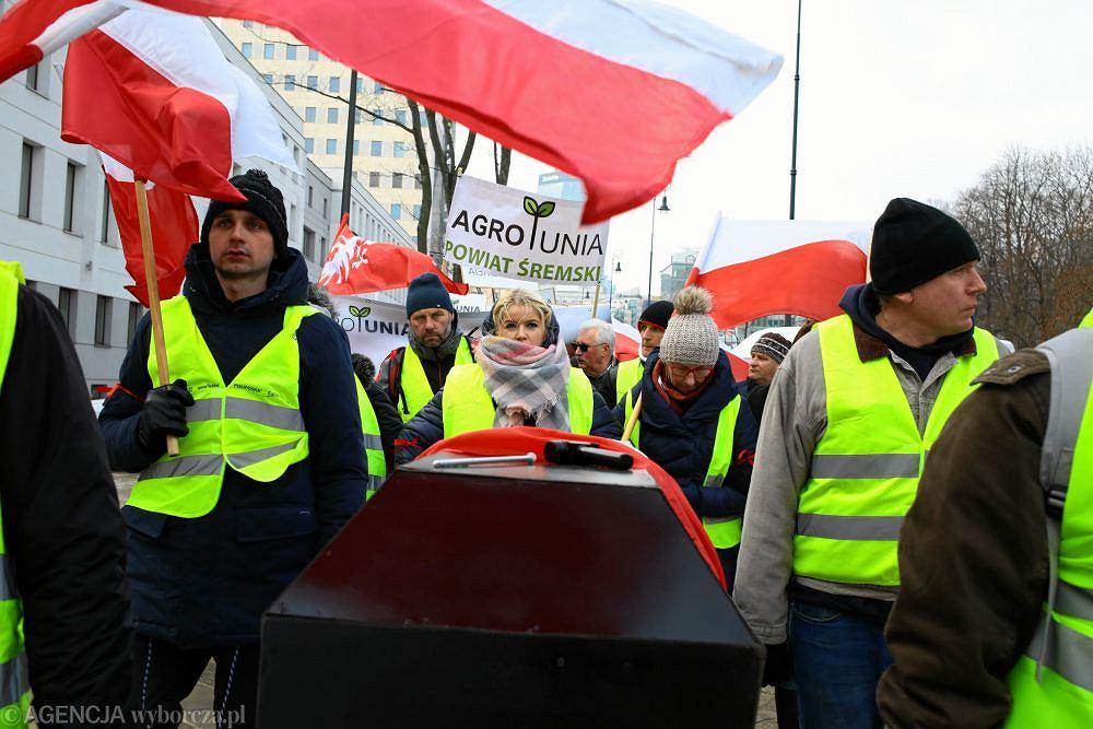 Protest rolnikow pod haslem Oblezenie Warszawy