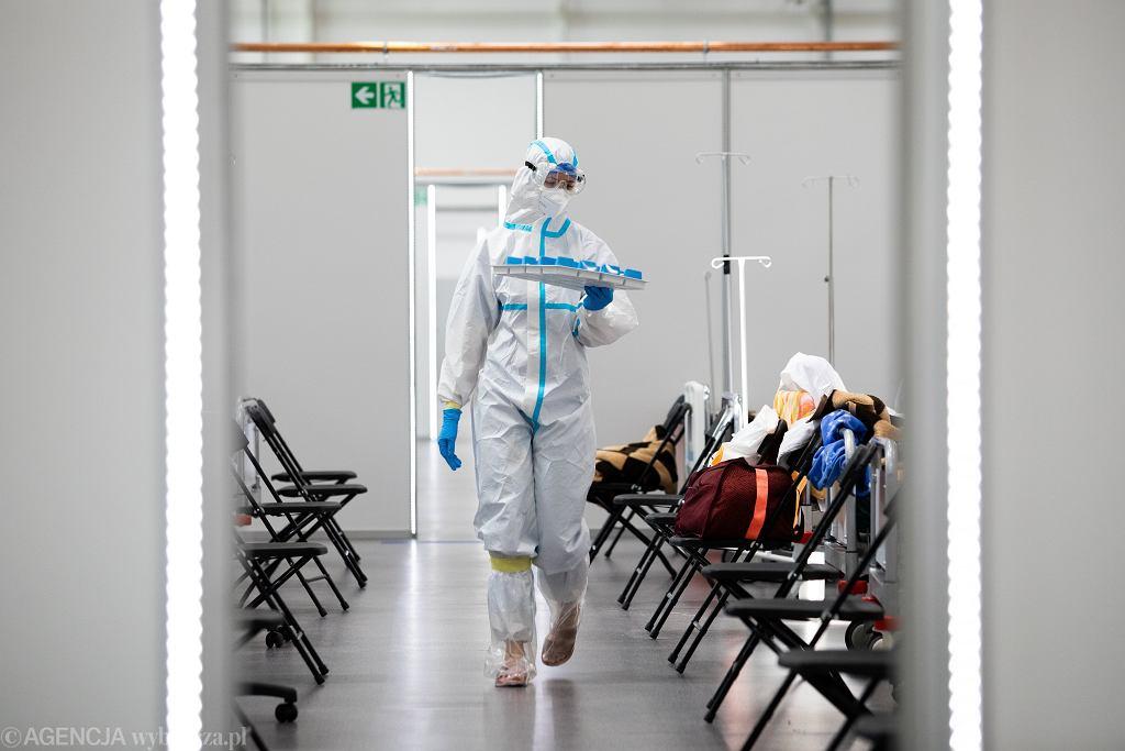 Pandemia koronawirusa. Tymczasowy szpital covidowy na terenie Centrum Targowo-Wystawienniczego Targów Lublin S.A.. 22 kwietnia 2021
