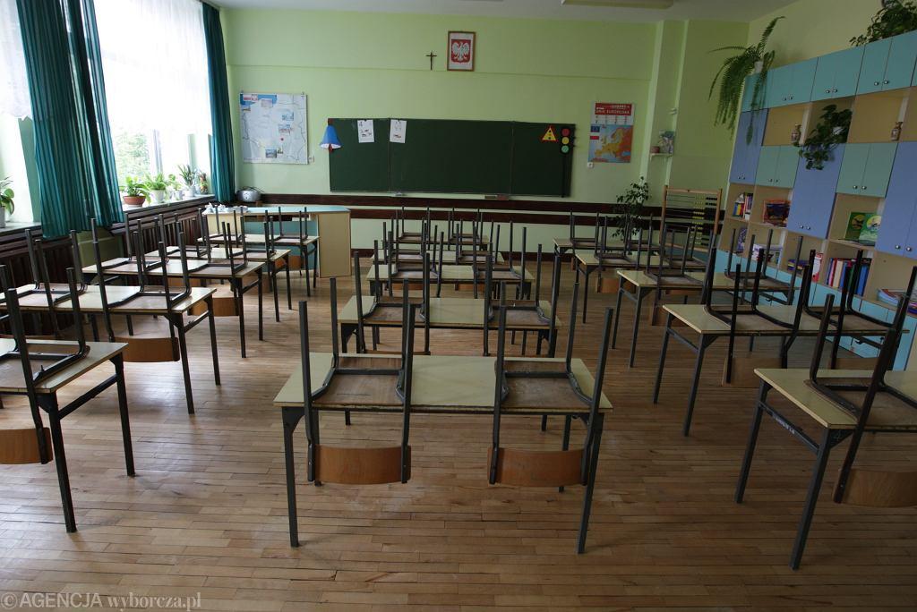 Rodzice komentują decyzję o zamknięciu szkół i skumulowaniu ferii w jednym okresie