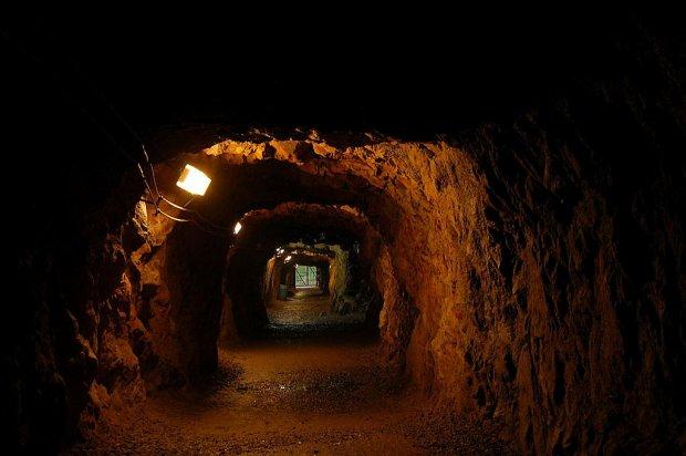 Podziemne korytarze w Osówce/ Fot.CC BY-SA 2.5/ Lilly M/ Wikimedia Commons