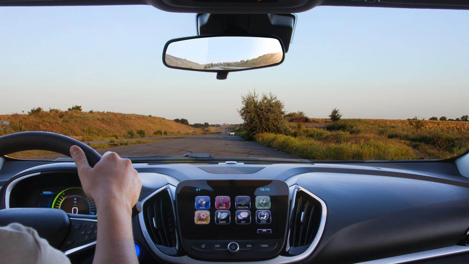 Jak jeździć samochodem elektrycznym?