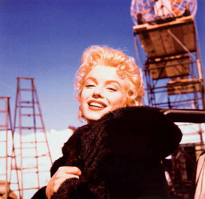 Zdjęcie numer 2 w galerii - Czemu władza wydała miliony na zdjęcia Marilyn Monroe? Teraz tłumaczą to udziałem jej plakatów w przełomie 1989 r.