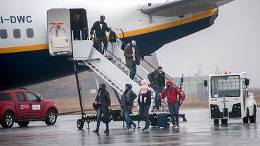 Rzecznik MZ: 700 osób wróciło z Wielkiej Brytanii na test na koronawirusa
