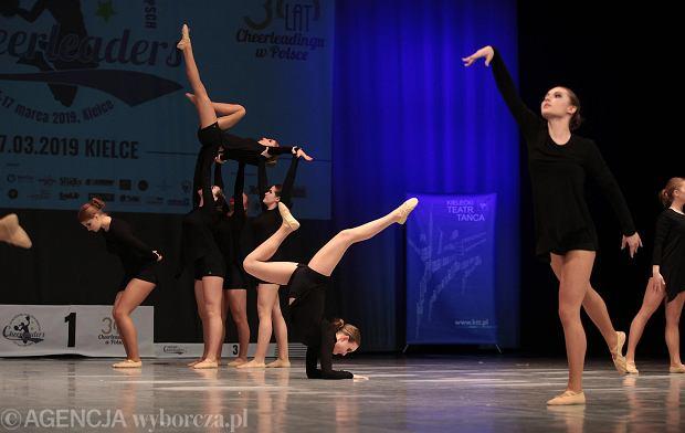 Zdjęcie numer 24 w galerii - Cheerleaderki rywalizują w Kielcach. Bo taniec nie jedną ma twarz [ZDJĘCIA]