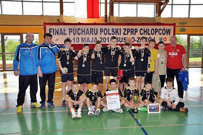 Srebrna drużyna UKS Miś Gorzów. Finały Puchar Polski ZPRP chłopców w piłce ręcznej, Busko-Zdrój 2014