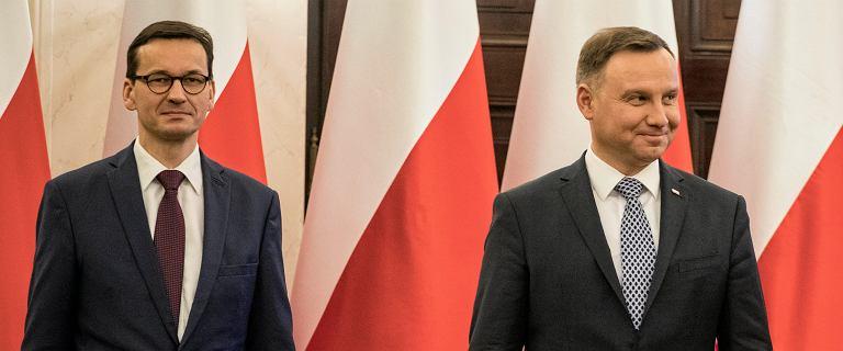 Duda-Morawiecki ws. nauczycieli. Nieoficjalnie: Premier nie chce ulegać ZNP