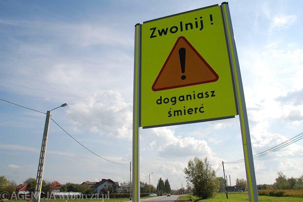 Wypadek samochodowy w Piechowicach. Jedna osoba zginęła na miejscu wypadku