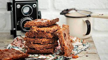 Kokosowe ciastka z karmelową polewą