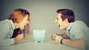 O pieniądze kłóci się nawet 70 proc. par