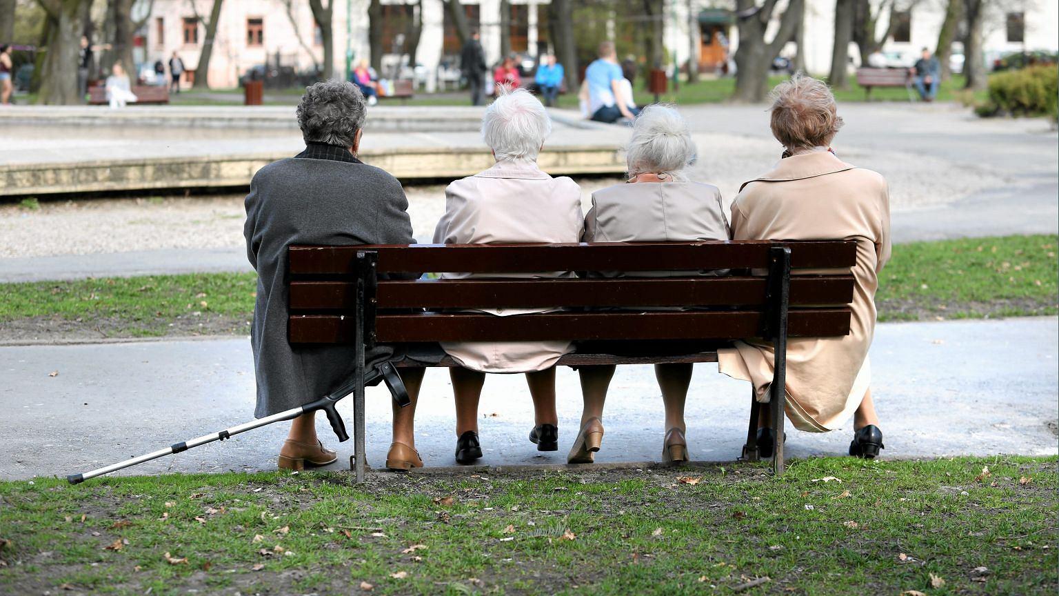 Staruszki w parku