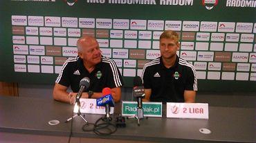 Radomiak Radom, trener Werner Liczka (z lewej) i obrońca Piotr Gurzęda
