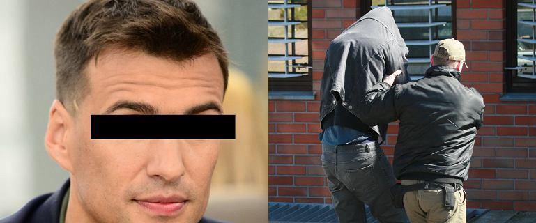 Jarosław B. w kajdankach. Mamy zdjęcia z momentu zatrzymania i doprowadzenia do aresztu