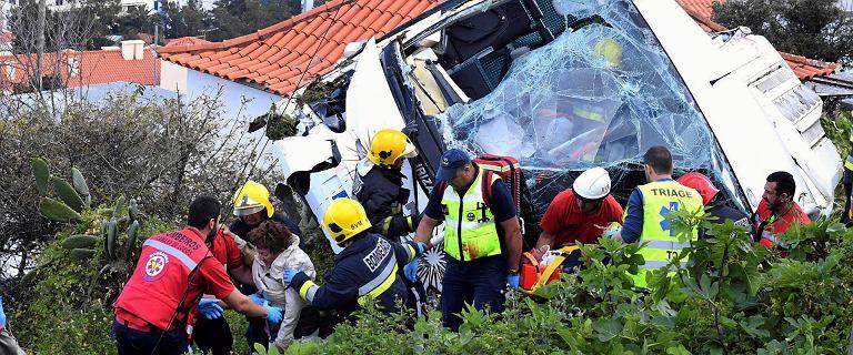 Madera. Autokar pełen turystów rozbił się na wzgórzu. Nie żyje 29 osób
