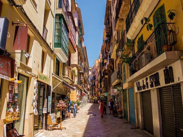 Palma de Mallorca - atmosferę miasta najlepiej można poczuć, spacerując bez celu