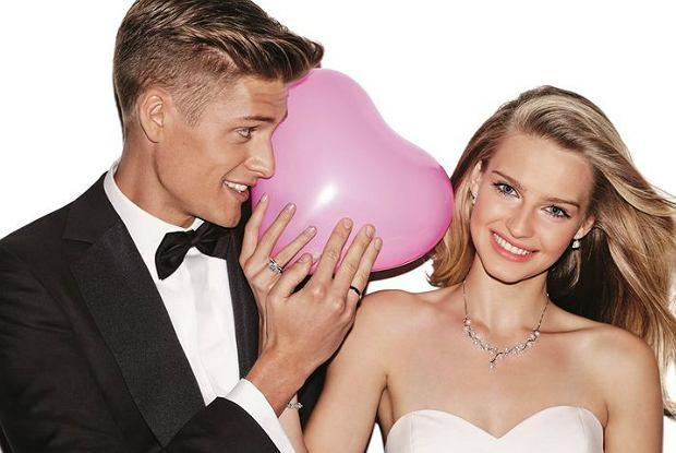 Karolina Pisarek i Jakob Kosel w kampanii kolekcji ślubnej Apart. Fotografuje Marcin Tyszka