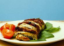 Pierś z kurczaka z mozzarellą i pomidorami - zapiera dech w piersiach - ugotuj
