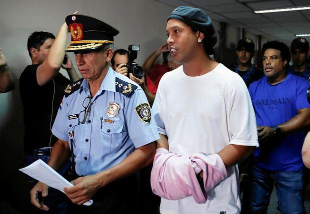 Ronaldinho wreszcie opuścił więzienie! Wpłacił prawie milion dolarów kaucji