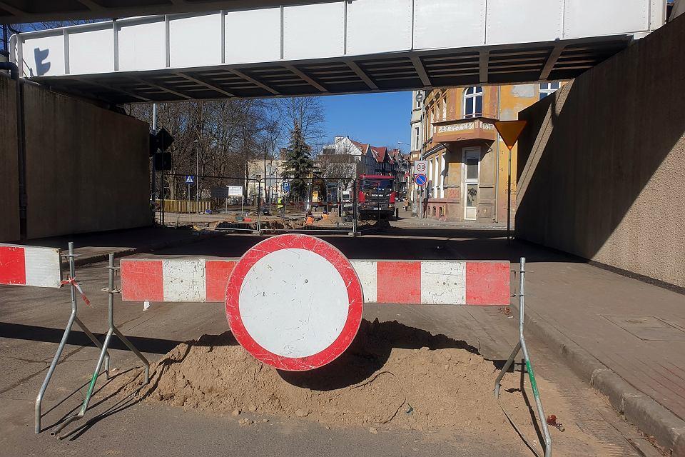 Piątek, 12 marca 2021 r. Zamknięte skrzyżowanie przy ul. Spichrzowej w Gorzowie, w związku z przebudową wodociągu i kanalizacji sanitarnej w tym  rejonie oraz przeprowadzeniem tych urządzeń pod rzeką Wartą