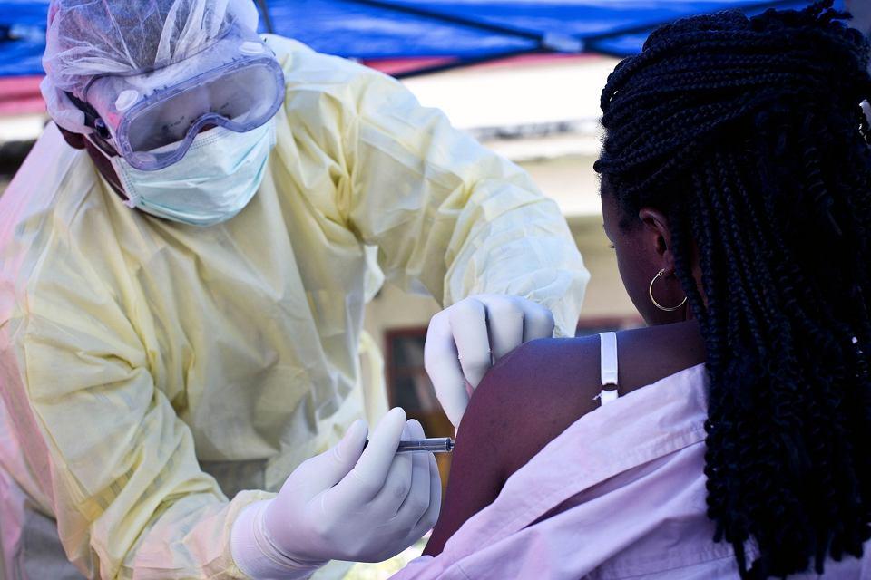 Szczepienie przeciwko eboli w Demokratycznej Republice Konga
