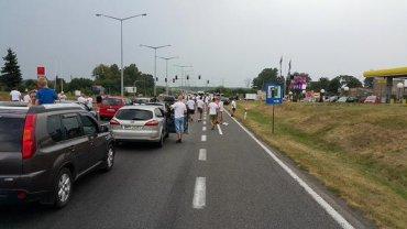 Kibice Legii na drodze do Gliwic
