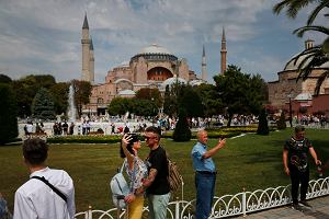 Polacy znów pokochali wakacje w Turcji. Ale dziś sytuacja w Turcji jest bardziej niebezpieczna niż przed rokiem