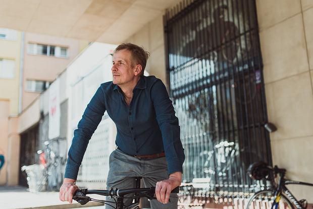 Dlaczego część z nas wybiera samochód zamiast roweru? Dla wielu z nas jazda na rowerze jest źródłem wstydu