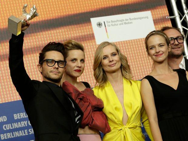 Tomasz Wasilewski i aktorki: Julia Kijowska, Magdalena Cielecka i Marta Nieradkiewicz podczas Berlinale
