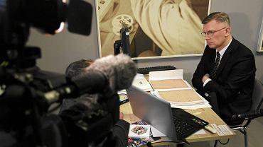 Sławomir Cenckiewicz, od czerwca tego roku członek kolegium IPN, tropieniem gender na łamach wydawnictw Instytutu zajmował się od kilku lat. Na zdjęciu Cenckiewicz w czytelni IPN po wybuchu afery z tzw. teczkami 'Bolka'